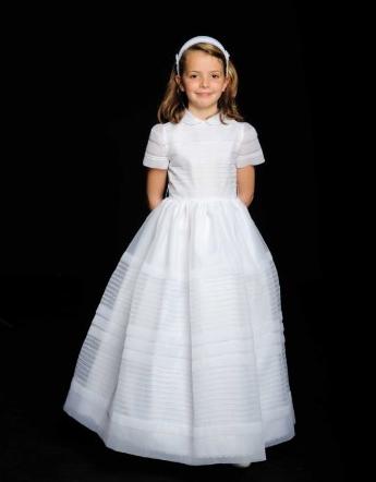 5031b9f205 Son trajes en excelente estado que podréis probar en la misma tienda y ver  como le queda a la niña o niño. Las niñas se sentirán como princesas…