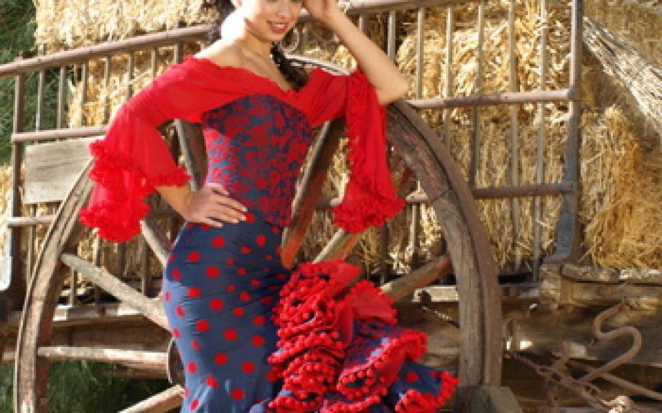 1ff1f7bcb Alquiler o Confección de Trajes de Sevillana, de Flamenca y Gitana ...