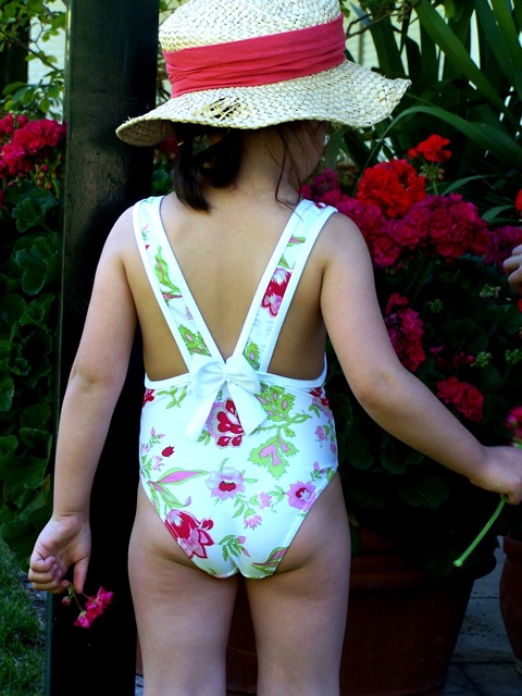 Bañadores 2010-Trajes de Baño y Bikinis para Niñas y Niños ...