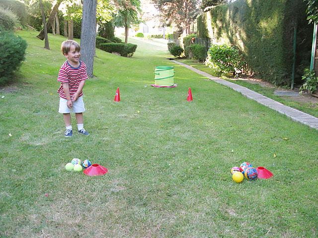 Juegos para niños al aire libre: gymkhana de equipos - CharHadas