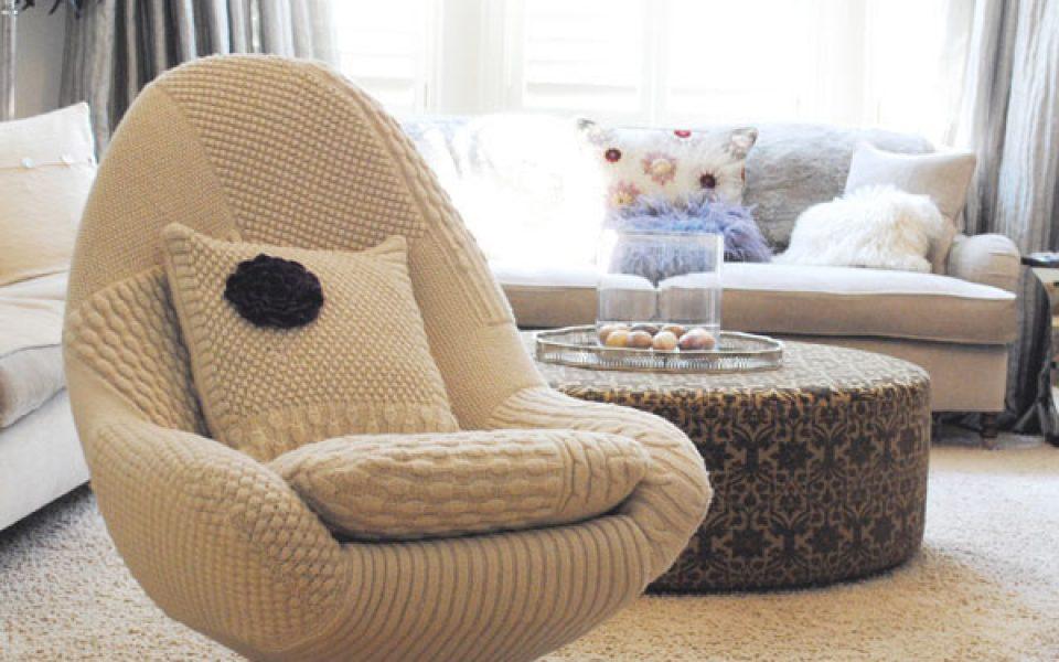 0e21830d6 Muebles tapizados con tejidos a mano en lana y crochet - CharHadas