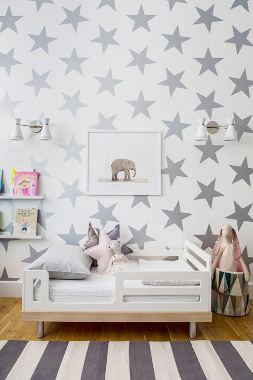 Dormitorio infantil con estrellas