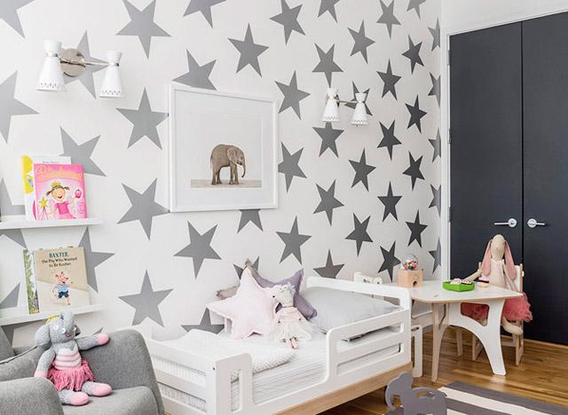 Papeles pintados de estrellas para el dormitorio infantil - CharHadas