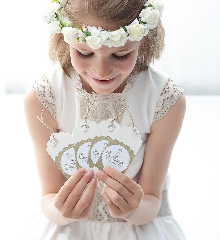 Espectacular peinados comunion con diadema Colección De Tutoriales De Color De Pelo - Peinados con flores para niñas en el día de su Primera ...
