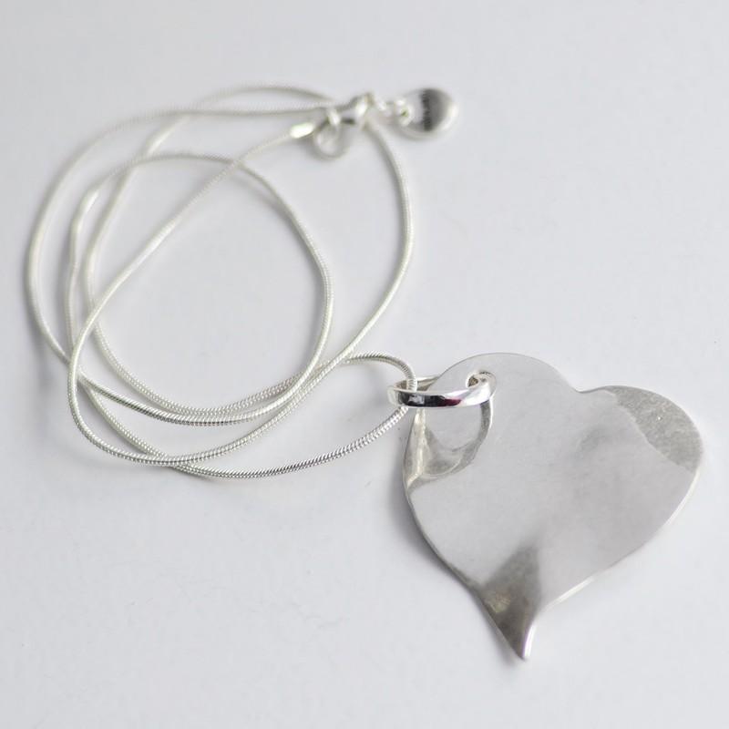 Collar Colgante corazón Joyas personalizadas Regalos originales profesoras maestras Limonae