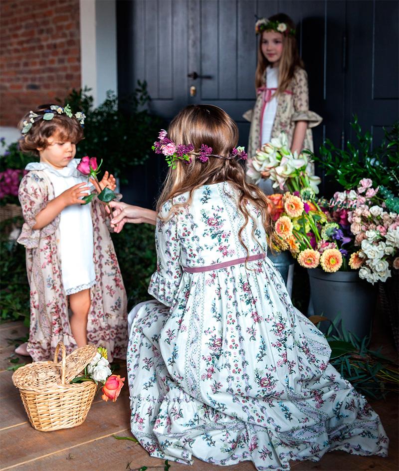 Batas flores ropa vestidos ceremonias niñas Bautizo y Comunión