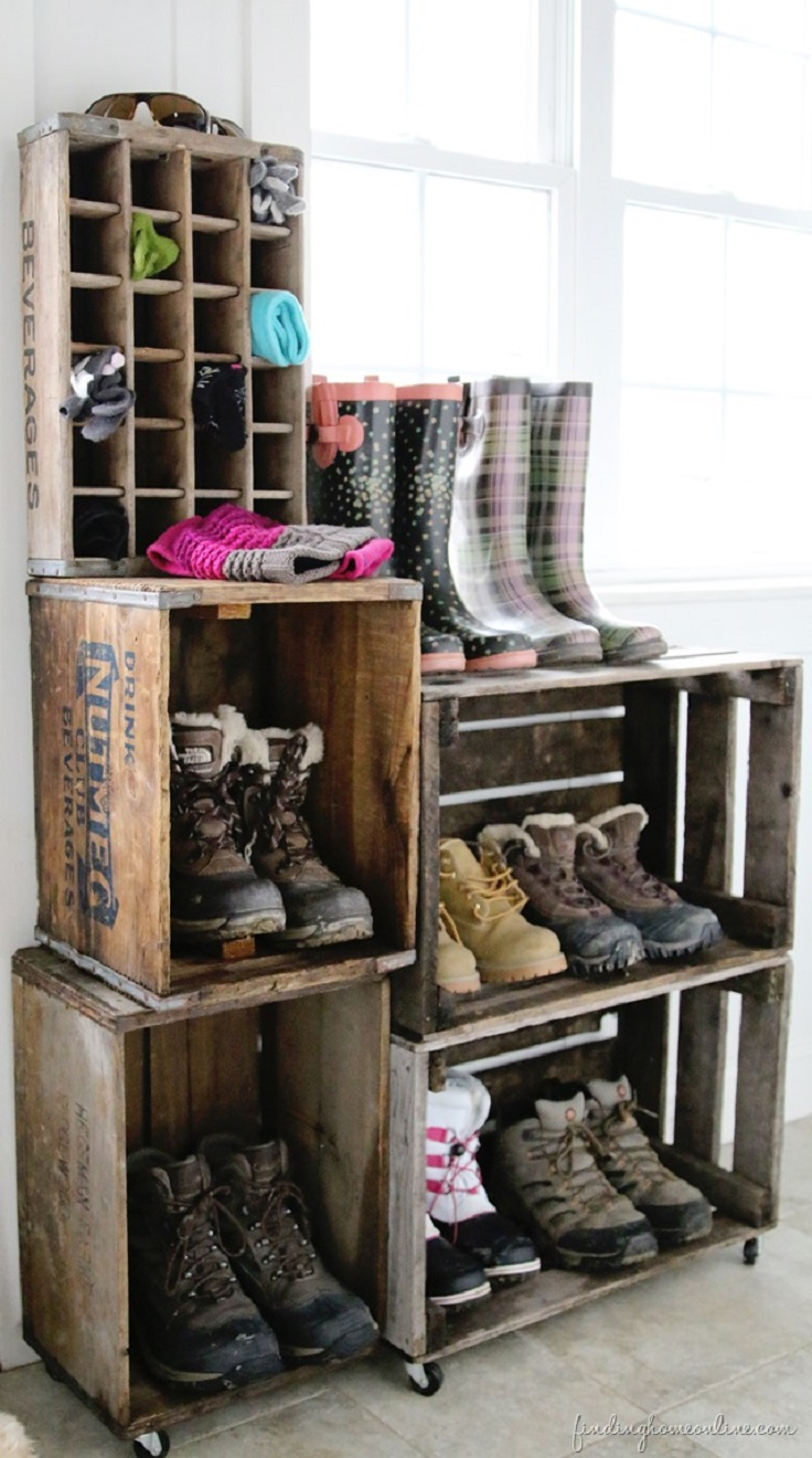 DIY-Vintage-Crate-Boot-Rack