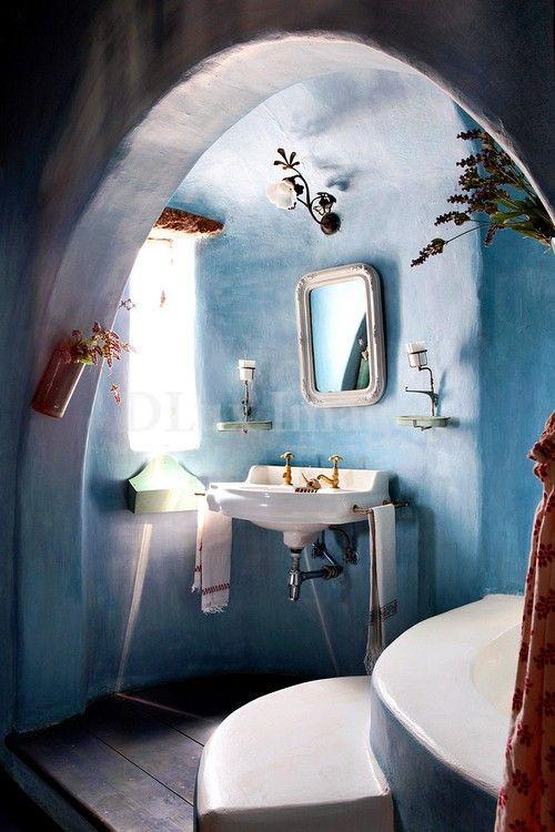 pared mediterrranea azul