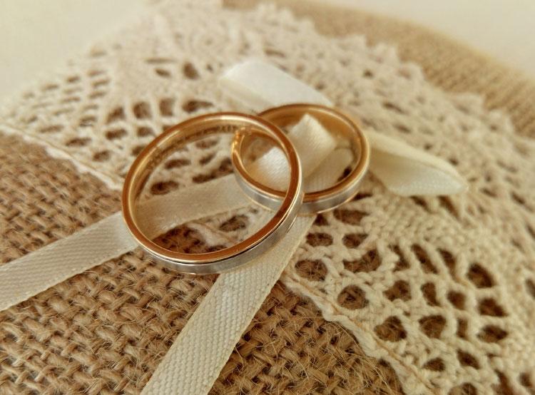 cojín para alianzas bodas