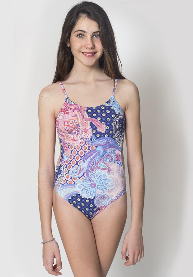 014812ed2 El verano se acerca y seguro que vuestras hijas adolescentes ya están como  locas pensando en que bikinis y bañadores para teens van a lucir este  verano.