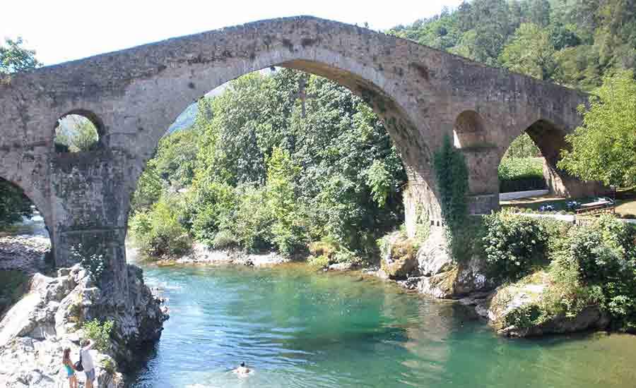 cangas-onis-puente-romano