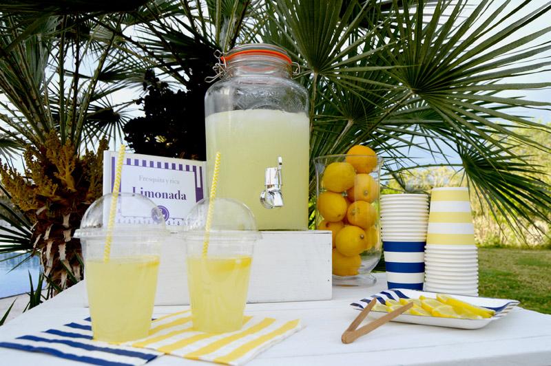 decoración mesa de bebidas para fiestas