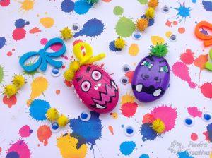Piedras de monstruos pintados