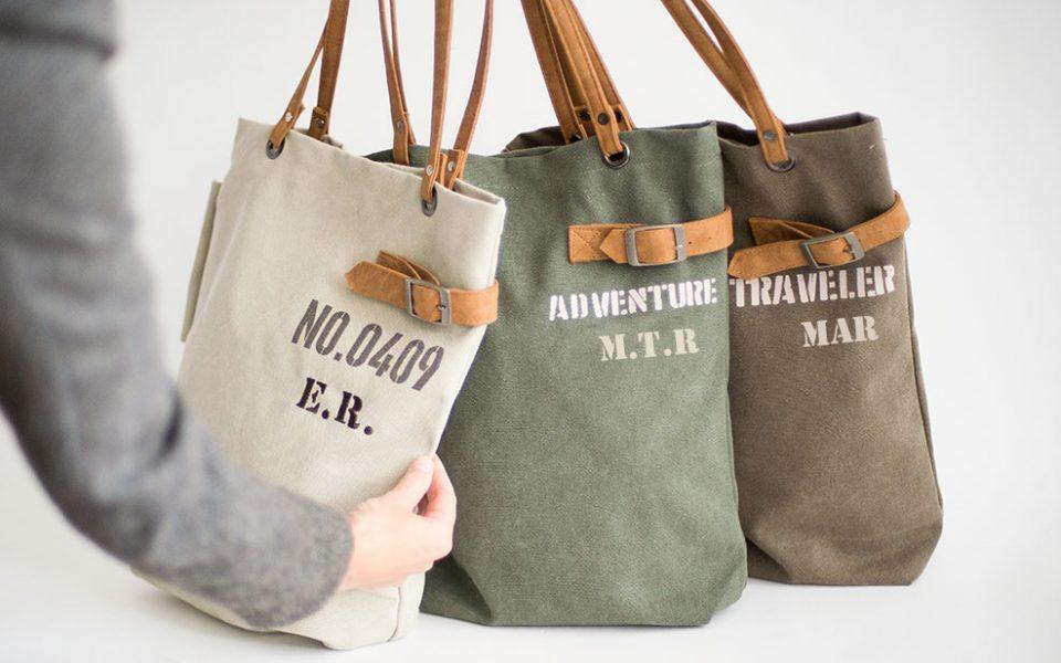 5b91c9b72 Regalos personalizados para mujeres  bolsos con iniciales - CharHadas