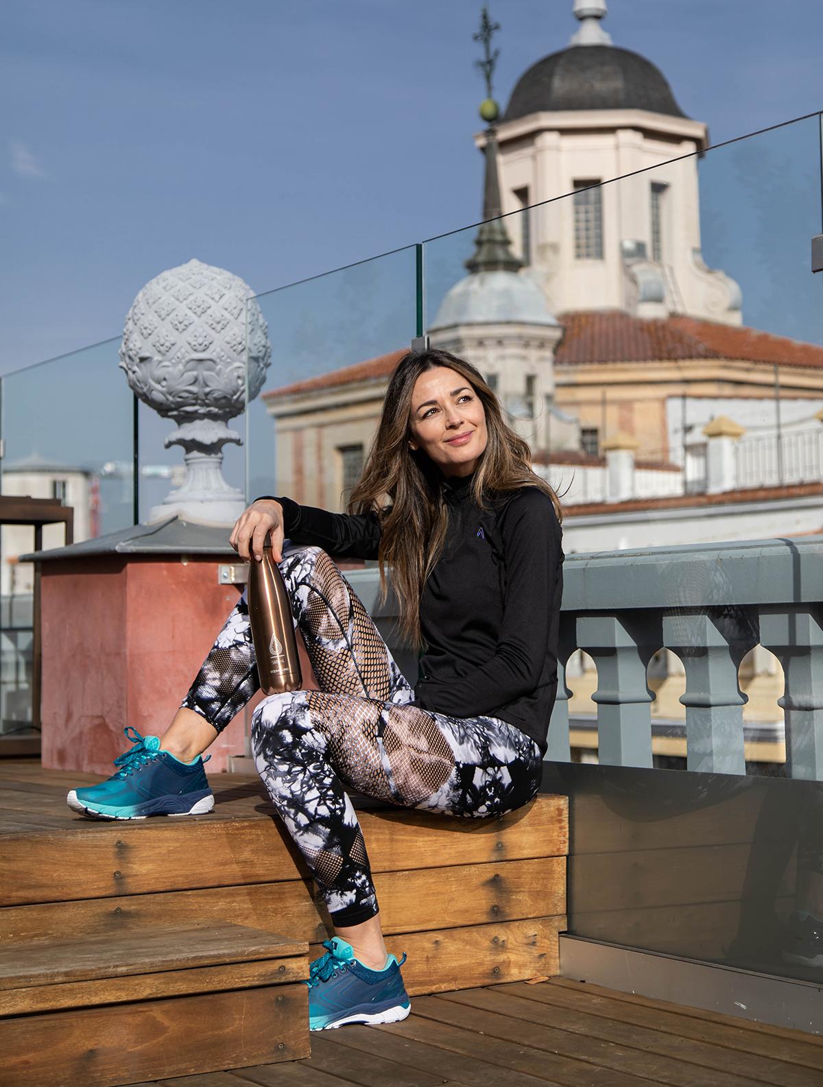 María de Bloggymery equipada para hacer deporte en pareja